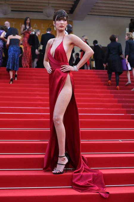 Looks Alfombra Roja Vestidos Sexys Bella Hadid Modelo Celebrity 9