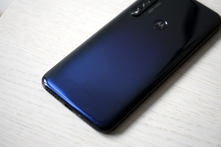 Moto G8 Plus Trasera Color
