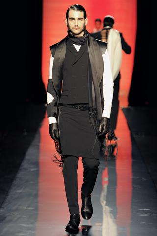 Foto de Jean Paul Gaultier Otoño-Invierno 2011/2012 en la Semana de la Moda de Paris (3/40)
