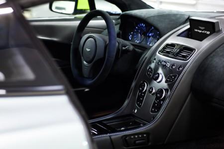 Aston Martin Vantage Gt8 Official 3