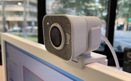 """Logitech Streamcam, primeras impresiones: la cámara web que quiere conquistar el mundo de los """"streamers"""""""