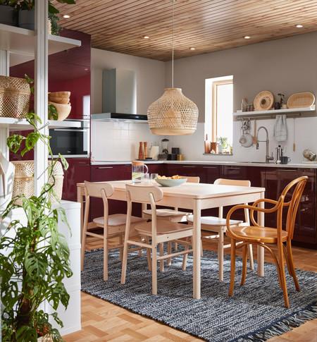 El catálogo de Ikea cumple 70 años y para celebrarlo rinde homenaje a algunos de sus productos más emblemáticos