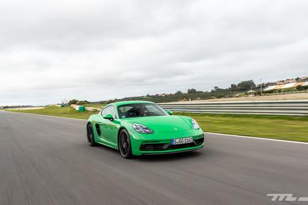 Porsche 718 Cayman GTS 2020 en recta