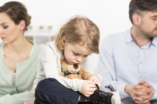 Tomar la difícil decisión de separarse cuando tienes hijos: cómo saber si es lo mejor y cuándo es el momento