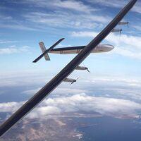 Este avión tiene una autonomía de 90 días de vuelo… gracias a los enormes paneles solares en las alas