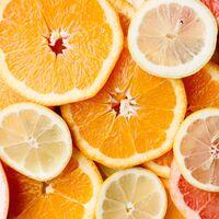 Los alimentos con más agua que puedes consumir esta temporada para favorecer la hidratación