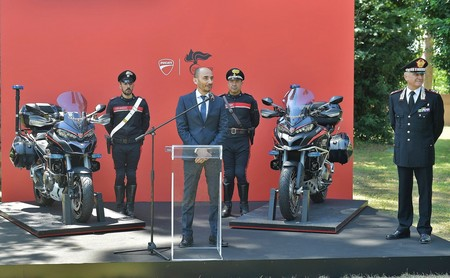 Ducati Multistrada 1200 Carabinieri 1