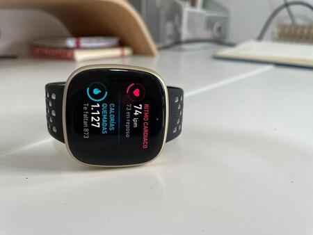 Fitbit Versa 3, una de las joyas de Fitbit con GPS integrado, a su precio mínimo por menos de 170 euros en Amazon