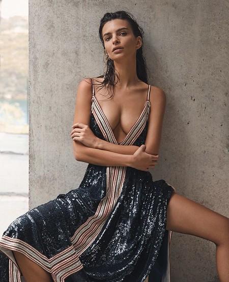 La solución para los vestidos con escotes imposibles: siete sujetadores invisibles entre los más vendidos de Amazon con los que parecerá que no llevas nada