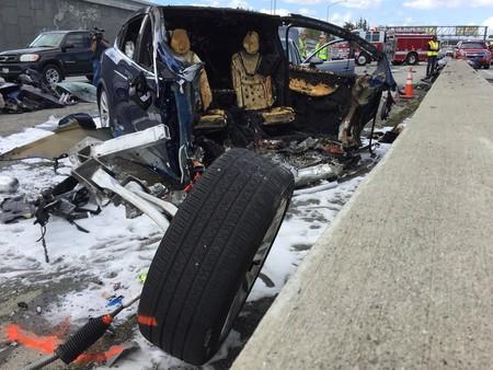 Tesla Model X Accidente Fatal 2