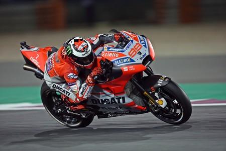 """""""Descartamos fallo de montaje en los frenos de la moto de Lorenzo; es a prueba de idiotas"""", Davide Tardozzi"""