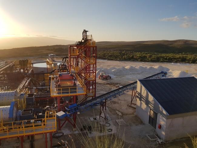 Maquinaria En La Explotacion Minera