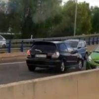 Y ahora, la conductora que se marcó un momento 'kamikaze' en el vídeo más tenso que verás hoy