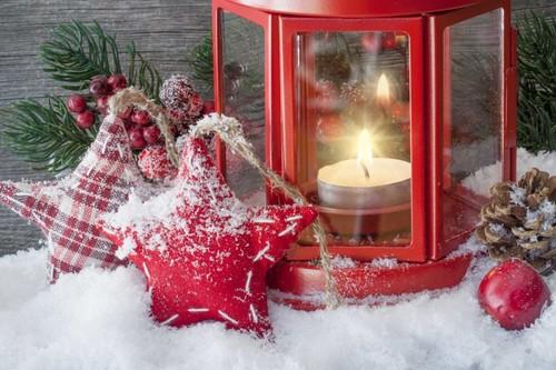 Suma un agradable ambiente a tu cena navideña con éstas velas aromáticas