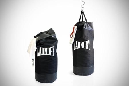 A la lavandería con un saco de boxeo