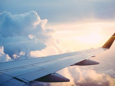 Cinco trucos para sacar el máximo provecho a un vuelo y ahorrar dinero al mismo tiempo