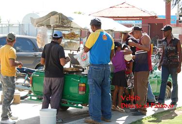 Venta ambulante de almuerzos en República Dominicana