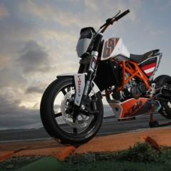 Foto 22 de 31 de la galería ktm-690-duke-track-limitada-a-200-unidades-definitivamente-quiero-una en Motorpasion Moto