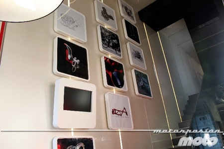 Pared del Ducati Caffe