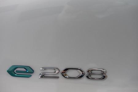 Peugeot e-208 2019 logo