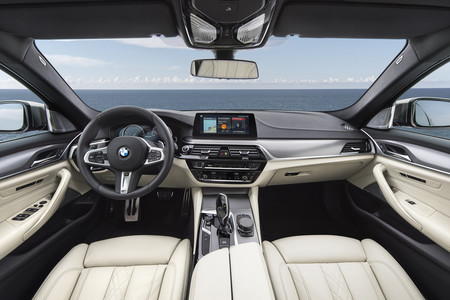 The New Bmw M550i Xd 2
