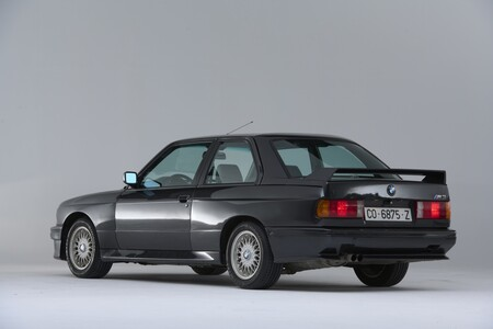 BMW M3 E30 trasera