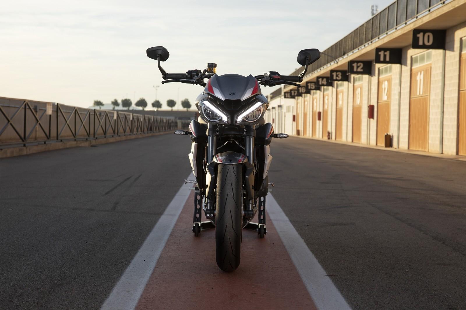 Foto de Triumph Street Triple RS 2020, prueba (21/44)