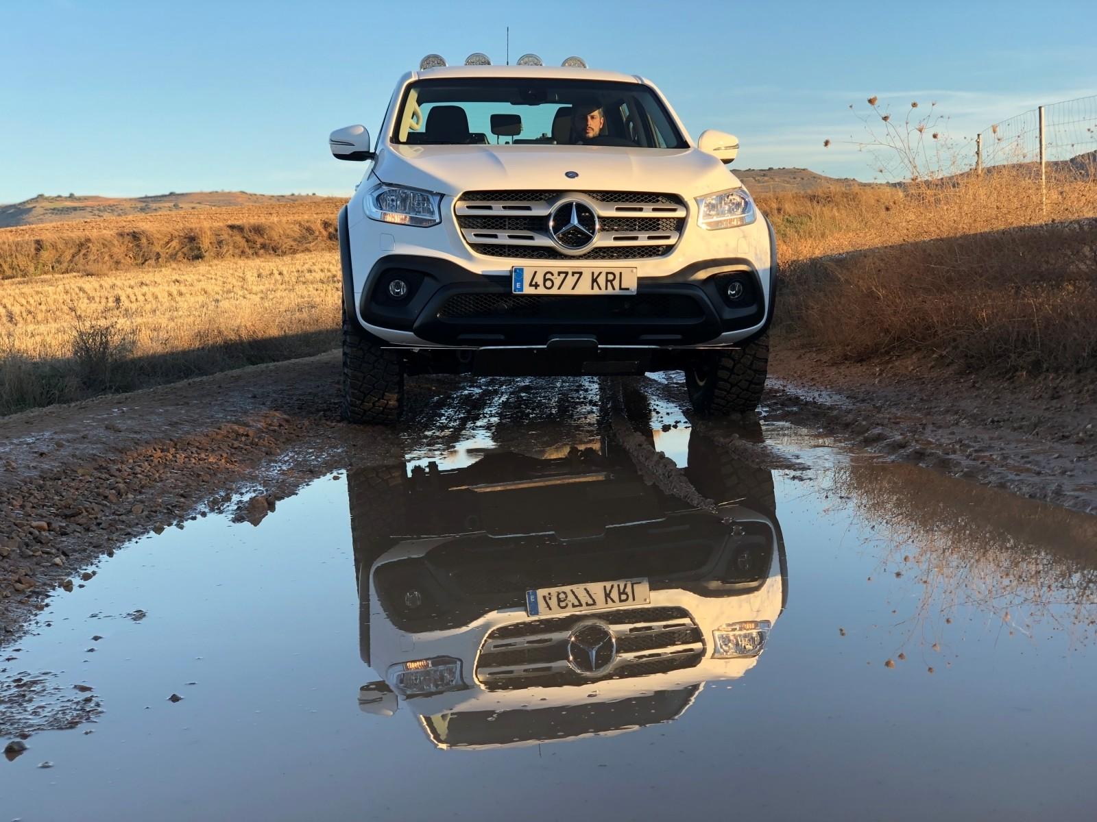Foto de Mercedes-Benz Clase X 350d 2019 prueba contacto (38/78)