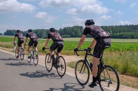 Ciclistas Distancia Paralelo 3