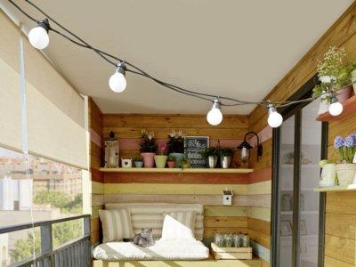 Plan comer al aire libre: así se aprovecha un mini balcón
