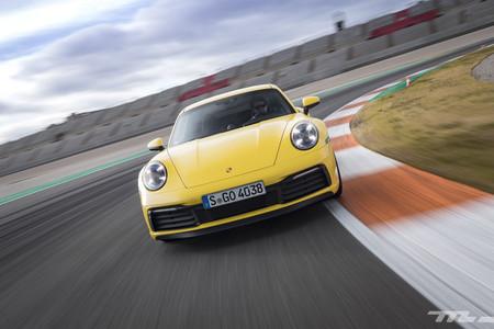 Porsche 911 992 frontal