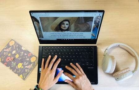 Me declaro súper fan del screenpad o segunda pantalla del ordenador portátil ASUS ZenBook Pro 15