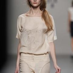 Foto 16 de 22 de la galería jesus-del-pozo-pasarela-cibeles-primavera-verano-2010 en Trendencias