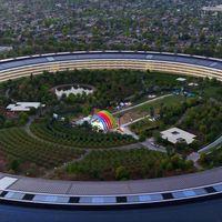 Un nuevo vídeo del Apple Park deja ver un escenario misterioso en el centro de la nave espacial