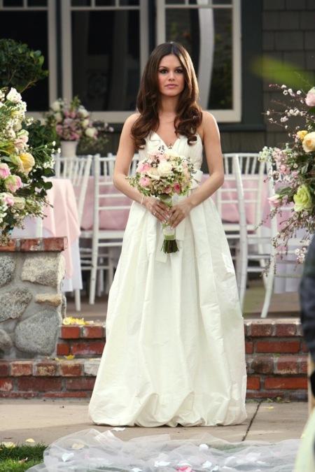 Luce como una novia de cine. Los 11 vestidos de novia más míticos de ...