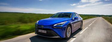 Esta es la autonomía que puede ofrecer un coche con pila de combustible de hidrógeno