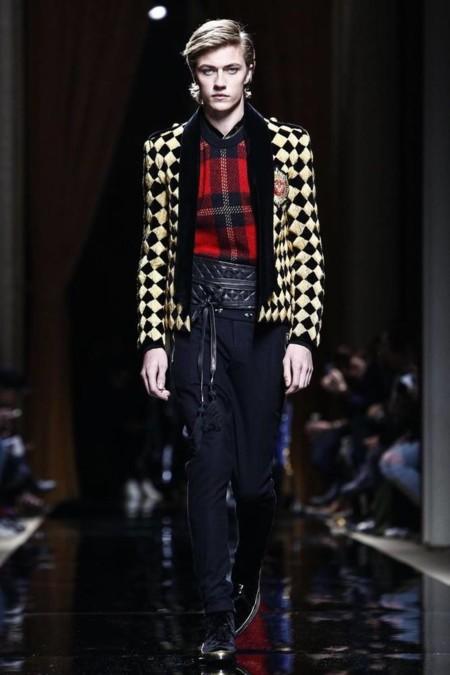 EL #BalmainArmy conquista París con una lujosa colección para este invierno