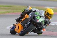 SWIGZ acaba segunda en la carrera contra motos de gasolina