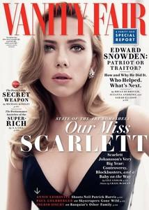 Scarlett Johansson luciendo pechamen en la revista Vanity Fair