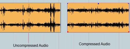 Diferencia de un sonido comprimido a uno sin compresión. Podemos visualizar cómo hay partes de la onda que no existen en la comprimida.