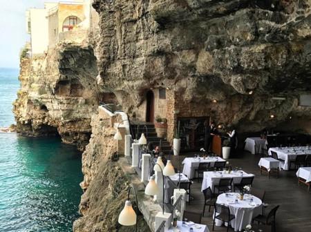 Descubrimos el restaurante favorito de Instagram: está dentro de una cueva y todo el mundo se muere por ir