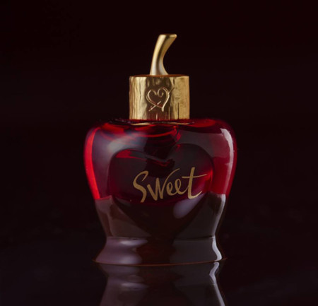Sweet de Lolita Lempicka, un perfume que es como morder una cereza bañada en chocolate
