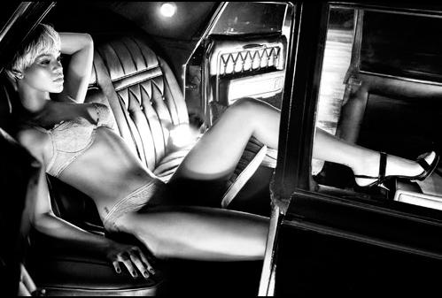 Foto de Rihanna en la nueva campaña de Armani (4/5)