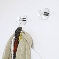 Foto 5 de 6 de la galería accesorios-adhesivos-para-el-bano-para-los-que-odian-hacer-agujeros en Decoesfera