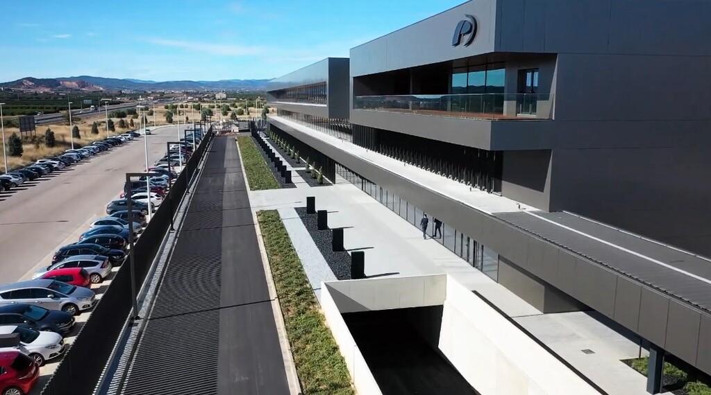 Valencia tendrá una gigafactoría de baterías para coches eléctricos gracias a la alianza de Ford, Iberdrola y 23 empresas