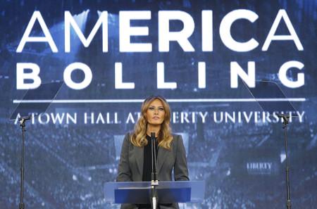 Melania Trump apuesta por un dos piezas sencillo (y triunfa)