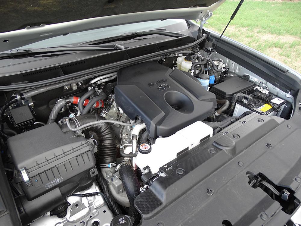 Foto de Probamos el Toyota Land Cruiser 180D, todas las imágenes del motor, maletero y otros detalles (9/32)
