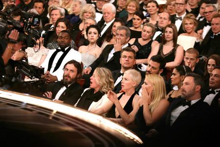 Jimmy Kimmel ya sentado para despedir la gala