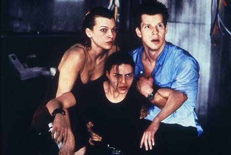 """Resident Evil está maravillosamente hecha"". James Cameron nos sorprende reivindicando la adaptación del videojuego"