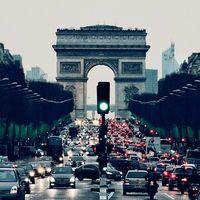 La Eurocámara quiere elevar el objetivo de reducción de emisiones de los coches al 45 % para 2030